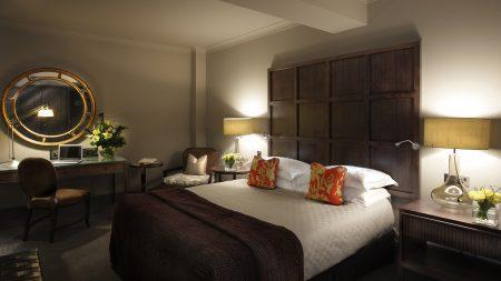 bedroom, bed, mirror