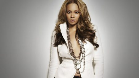 beyonce, clothes, jewerly