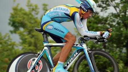 bicyclist, arrival, suit