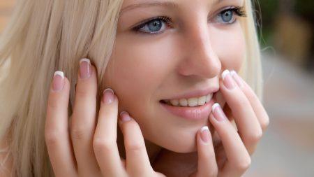 blonde, lips, hands