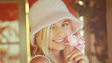 blonde, smile, flower