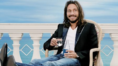 bob sinclar, smile, suit