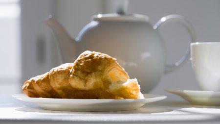 breakfast, croissant, teapot