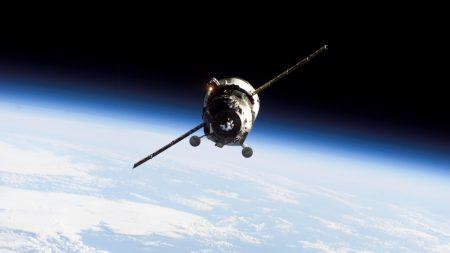 cargo ship, flying, planet
