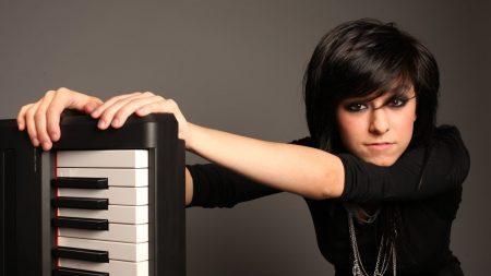 christina grimmie, keys, girl