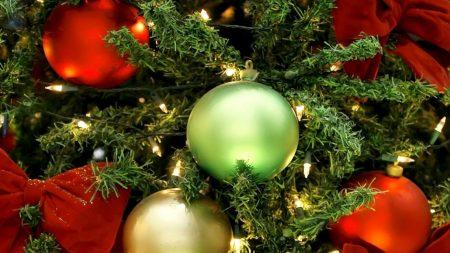 christmas decorations, balloons, christmas tree