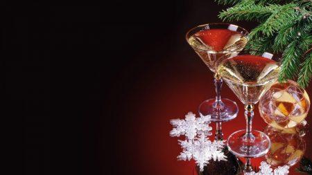christmas decorations, glasses, drinks