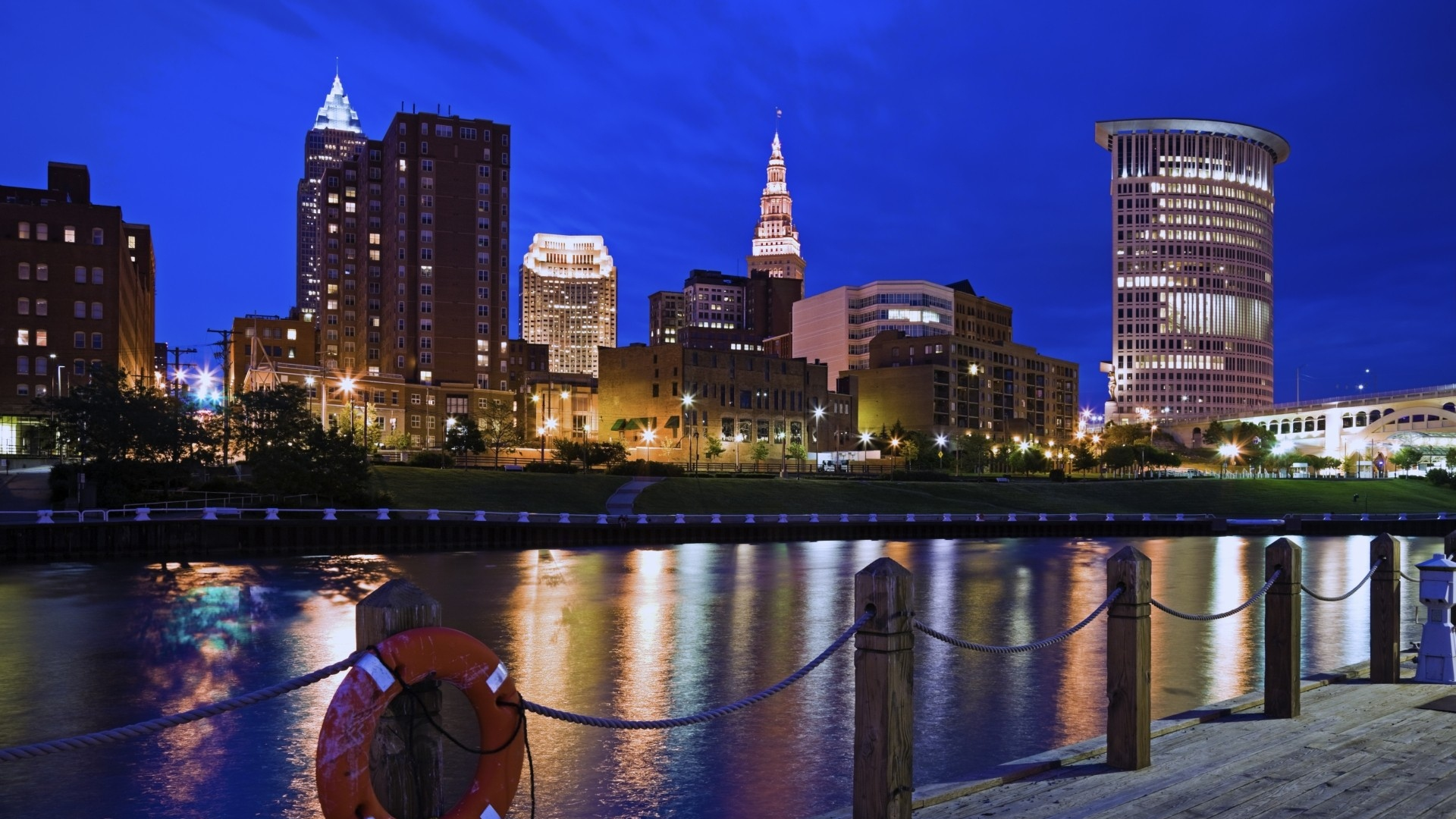 Download Wallpaper 1920x1080 Cleveland, Embankment