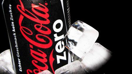 coca cola zero, bank, ice