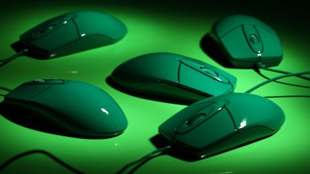 computer mice, green, wire