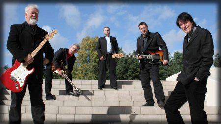 czerwone gitary, guitars, suits
