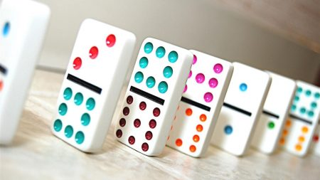 dice, dominoes, color
