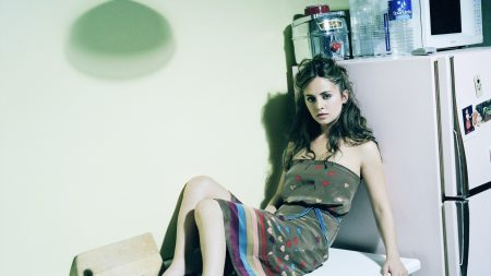 eliza dushku, cuisine, dress