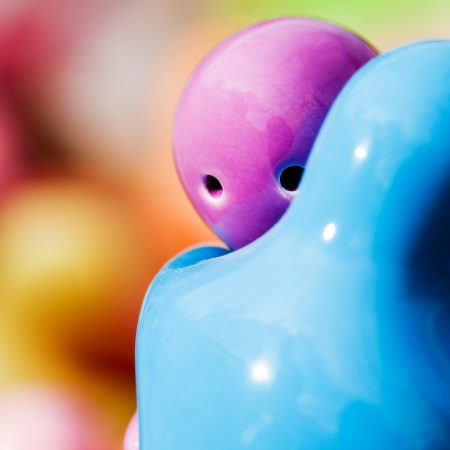 figurines, hugging, blue