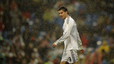 football, rain, field