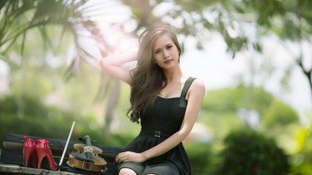 girl, brunette, violin