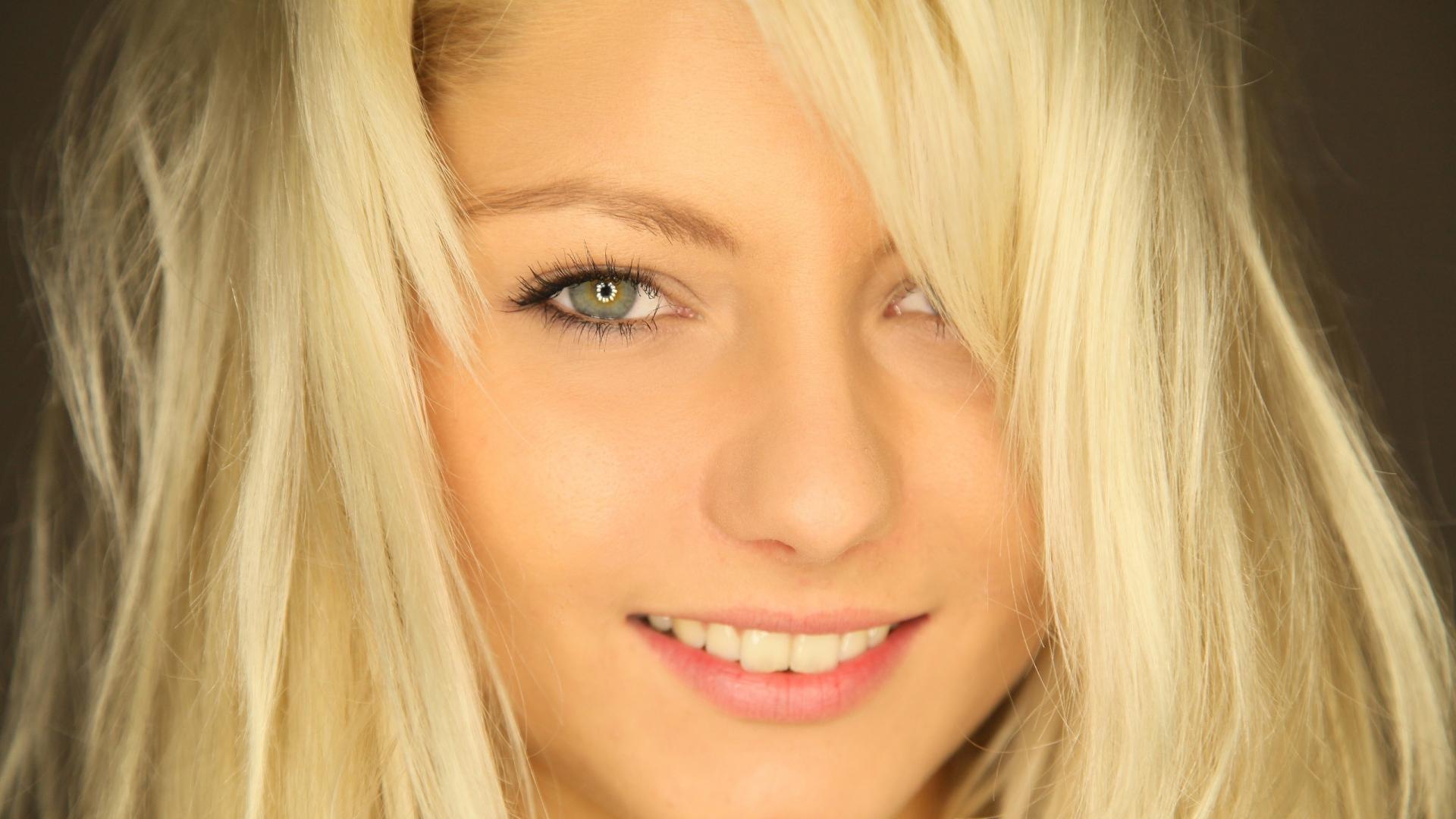 Work in progress list of blonde females in photo games