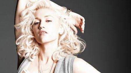 gwen stefani, blonde, hand