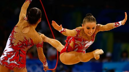 gymnasts, twine, skipping rope