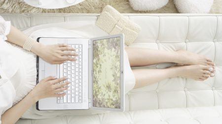 hands, notebook, girl
