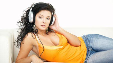 headphones, sofa, girl