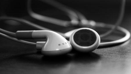 headphones, wires, white