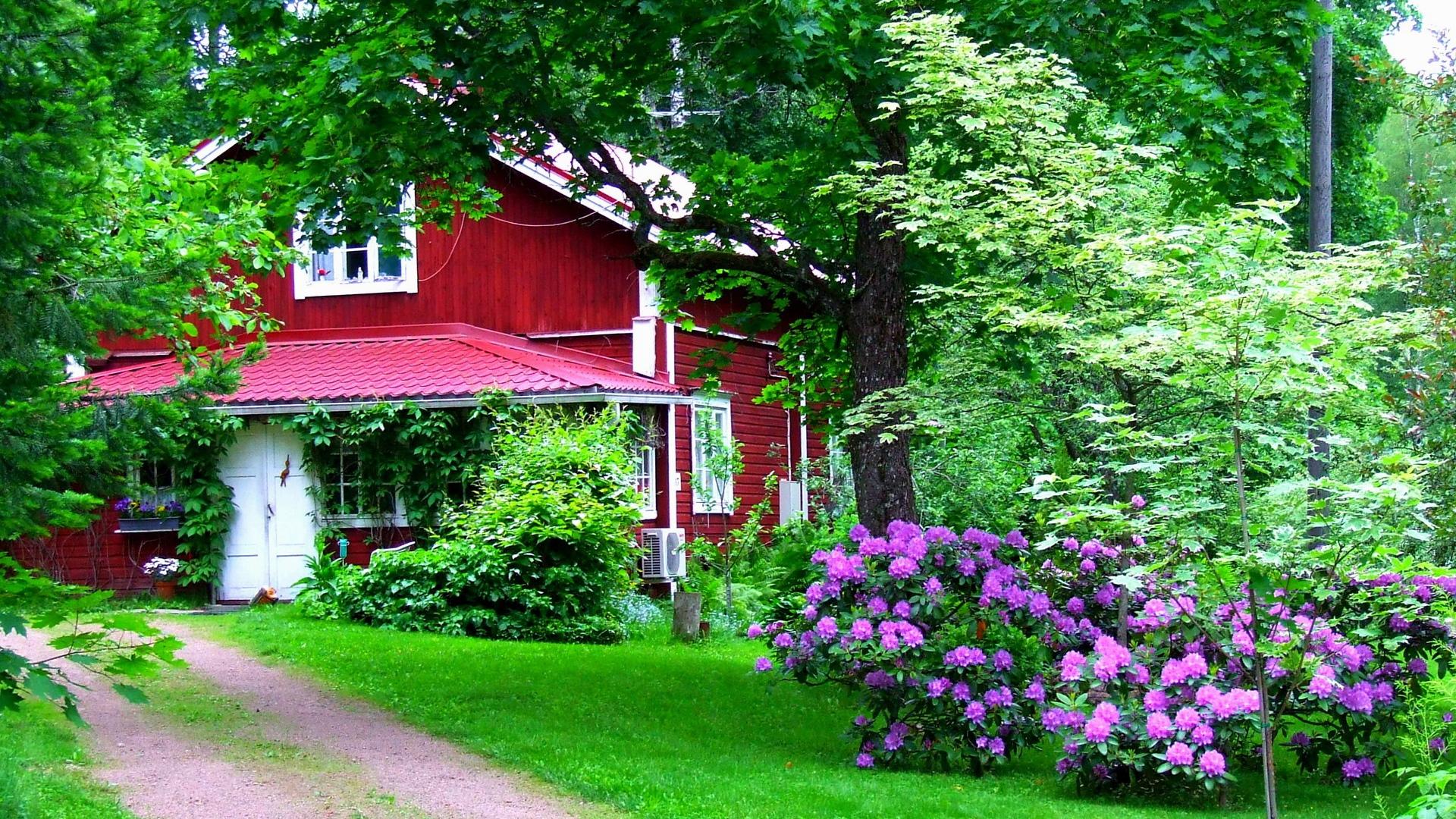 Download Wallpaper 1920x1080 House Garden Yard Flowers Green Door Full Hd 1080p Hd Background