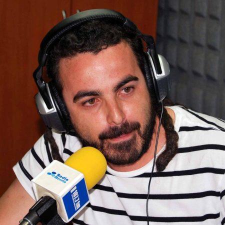 huecco, microphone, headphones