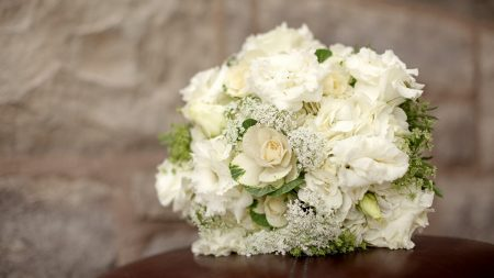 hydrangea, lisianthus russell, ornamental cabbage