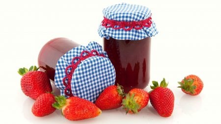 jam, house, a strawberry