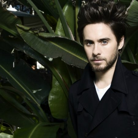 jared leto, leaves, herbs