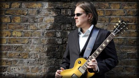 joe bonamassa, guitar, glasses