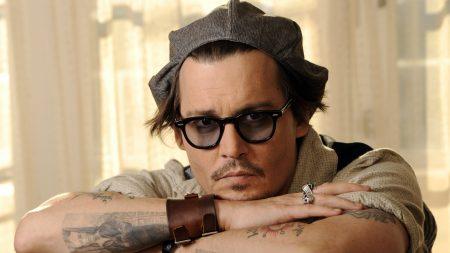 johnny depp, glasses, bracelet