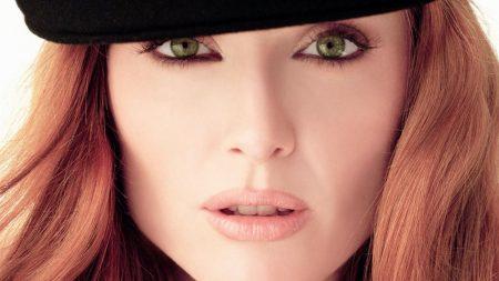 julianne moore, green-eyed, eyes