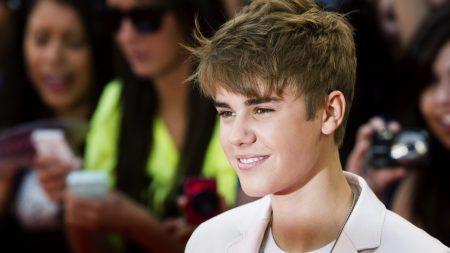 justin bieber, smile, celebrity