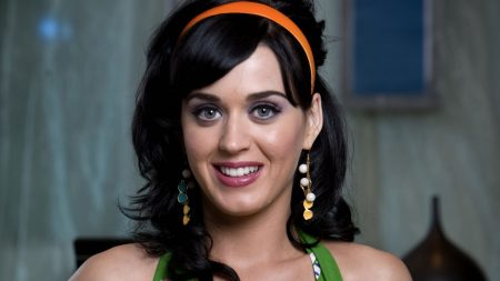 katy perry, smile, jewerly