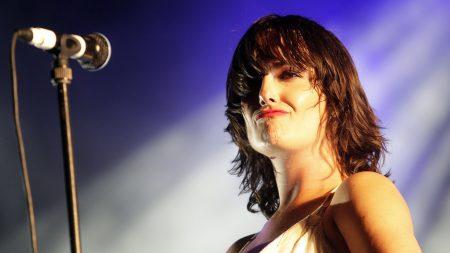 kosheen, girl, microphone