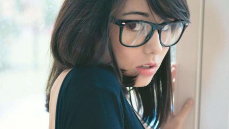 laura badura, girl, glasses