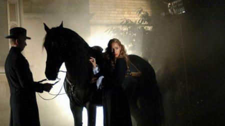 leona lewis, girl, horse