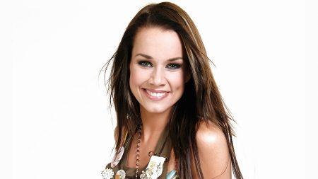 linda bengtzing, smile, brown