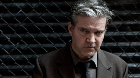 lloyd cole, suit, face
