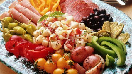 macaroni, vegetables, sausage
