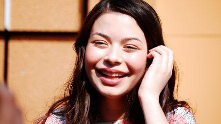miranda cosgrove, girl, smile
