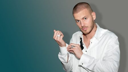 mpokora, bristle, shirt
