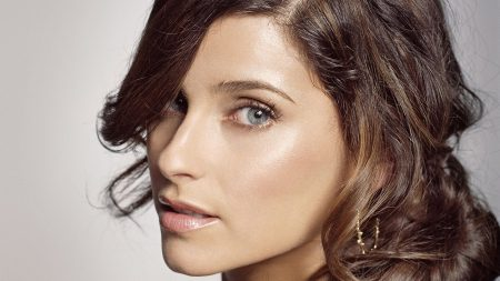 nelly furtado, face, haircut