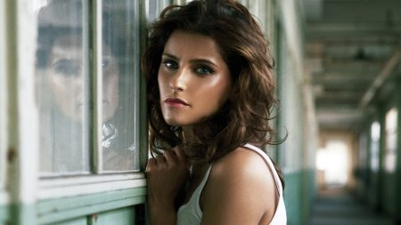 nelly furtado, girl, haircut