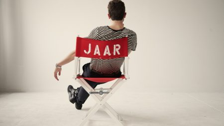 nicolas jaar, chair, relax