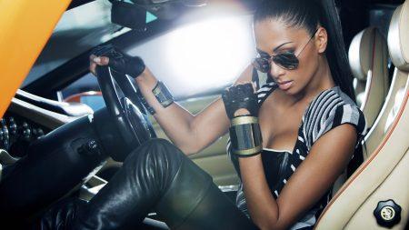 nicole scherzinger, car, gloves
