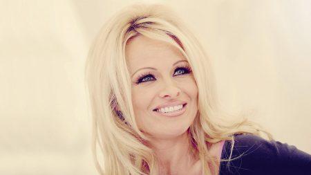 pamela anderson, blonde, smile
