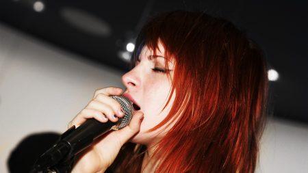 paramore, singing, girl
